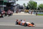 Bryan Herta im Siegerauto von Dan Wheldon