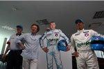 Alain Menu (Chevrolet) mit Chevrolet-Sportchef Eric Neve und Zeichner Philippe Graton
