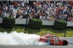 Joey Logano (Gibbs) gewann zum zweiten Mal ein Sprint-Cup-Rennen