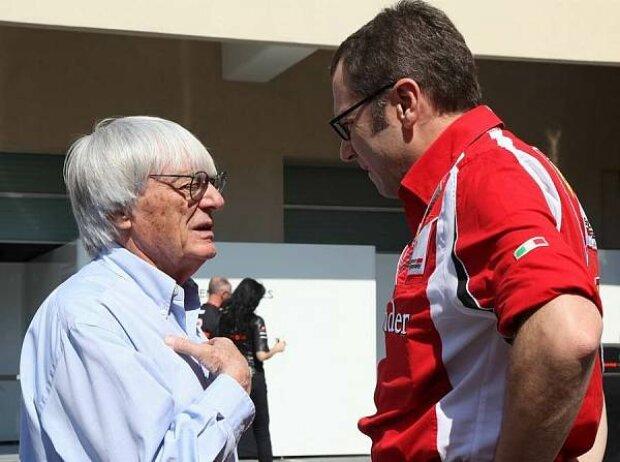 Stefano Domenicali (Ferrari-Teamchef), Bernie Ecclestone (Formel-1-Chef)