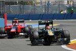 Heikki Kovalainen (Caterham) und Charles Pic (Marussia)