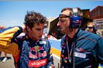 Daniel Ricciardo (Toro Rosso) mit seinem Renningenieur Riccardo Adami