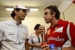 Spanier unter sich: Pedro de la Rosa (HRT) und Fernando Alonso (Ferrari)
