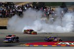 Clint Bowyer (Waltrip) bei den Sieger Burnouts