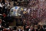 Tony Stewart (Stewart/Haas) gewann das Juli-Rennen in Daytona zum vierten Mal