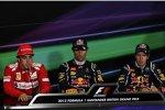 Fernando Alonso (Ferrari), Mark Webber (Red Bull) und Sebastian Vettel (Red Bull) in der Sieger-Pressekonferenz