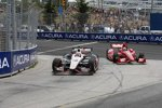 Will Power (Penske) überholt Dario Franchitti (Ganassi)