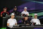 Timo Glock (Marussia), Nico Rosberg (Mercedes), Mark Webber (Red Bull), Sebastian Vettel (Red Bull), Nico Hülkenberg (Force India) und Michael Schumacher (Mercedes)