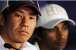 Kamui Kobayashi (Sauber) und Narain Karthikeyan (HRT)