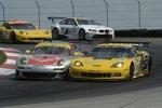 Oliver Gavin/Tommy Milner (Corvette) vs. Jörg Bergmeister/Patrick Long (Porsche)