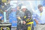 Marcos Ambrose feiert seinen zweiten Sprint-Cup-Sieg
