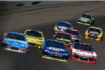 Three Wide: In der Mitte Brad Keselowski (Penske), links Kasey Kahne (Hendrick) und rechts Greg Biffle (Roush)