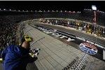 Joey Logano gewinnt das Nationwide-Rennen
