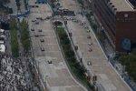 Will Power (Penske) führt das IndyCar-Feld durch die Haarnadel Turn 3 in Baltimore
