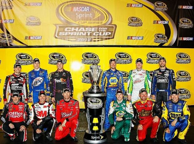 Martin Truex Jun., Matt Kenseth, Clint Bowyer, Kasey Kahne, Kevin Harvick, Greg Biffle, Tony Stewart, Jimmie Johnson, Dale Earnhardt Jun., Denny Hamlin, Brad Keselowski, Jeff Gordon