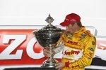 IndyCar-Champion Ryan Hunter-Reay mit dem Astor Cup
