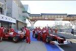 Ferrari-Crew in der Boxengasse