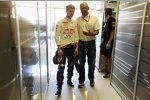 Sebastian Vettel (Red Bull) und Helmut Marko (Red-Bull-Motorsportchef)