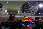 Sebastian Vettel (Red Bull) rollt mit zu wenig Benzin im Tank aus