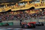 Sebastian Vettel (Red Bull) und Bruno Senna (Williams)