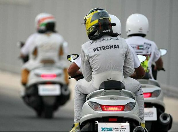 Nico Rosberg, Narain Karthikeyan