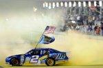 Brad Keselowski zelebriert seinen ersten NASCAR-Titel