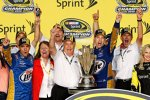 Brad Keselowski und das Penske-Team bejubeln den ersehnten Sprint-Cup-Titel