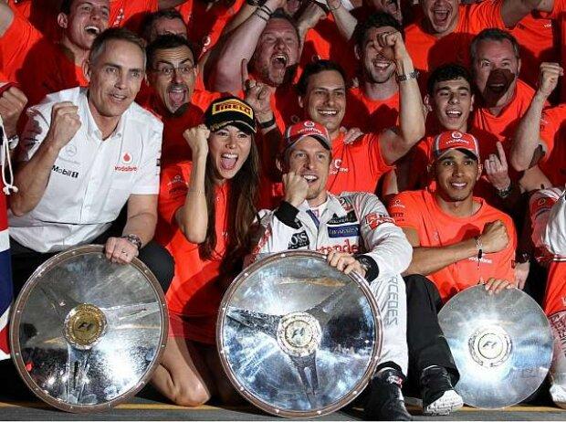 Jenson Button, Martin Whitmarsh (Teamchef, McLaren), Lewis Hamilton