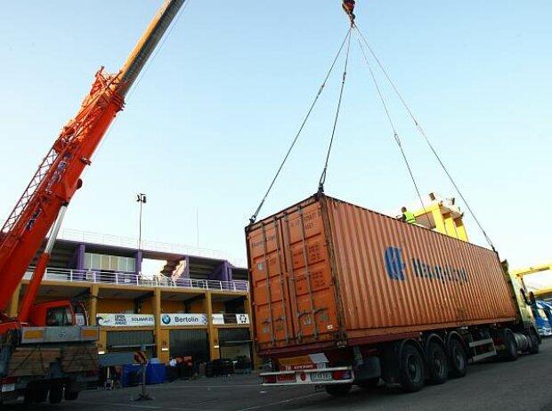 Container-Verladung in Valencia