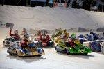 Traditionelles Kartrennen auf Eis und Schnee