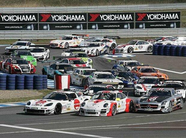 Start zur GT-Masters-Saison 2012 in Oschersleben