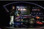 Mark Webber (Red Bull) und Sebastian Vettel (Red Bull) enthüllen den RB9