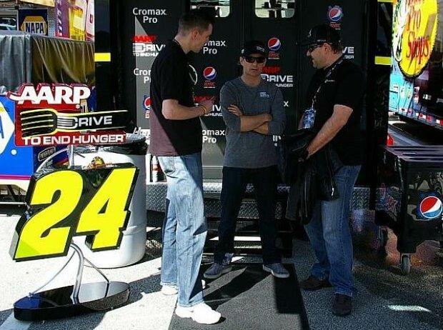 Die 'Motorsport-Total.com'-Redakteure Mario Fritzsche und Pete Fink im Gespräch mit Jeff Gordon