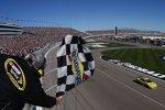 Checkered Flag nach 267 Runden: Dritter Las-Vegas-Sieg für Matt Kenseth (Gibbs)