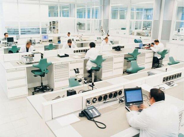 Workshop von McLaren Electronic Systems in Woking