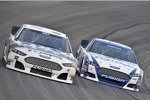 Timmy Hill (FAS) und Carl Edwards (Roush)