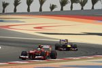 Felipe Massa (Ferrari) vor Sebastian Vettel (Red Bull)
