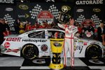 Kevin Harvick (Childress) in der Victory Lane