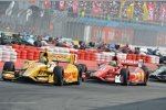 Ryan Hunter-Reay vor Tony Kanaan