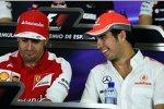 Fernando Alonso (Ferrari) und Sergio Perez (McLaren)
