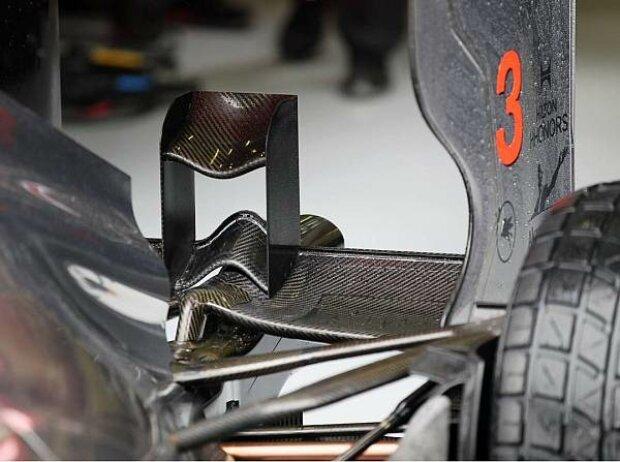 Neuer Heckflügel am McLaren MP4-27 für Spa