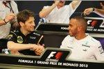 Romain Grosjean (Lotus) und Lewis Hamilton (Mercedes)