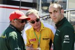 Tony Fernandes (Caterham), Bernard Rey (Renault) und Cyril Abiteboul (Caterham)