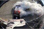 Kyle Busch feiert seinen Sieg im Truck-Rennen