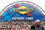 Nach 30 Rennen: Tony Stewart wieder in der Victory Lane