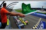 Start zum Nationwide-Rennen mit Austin Dillon und Paul Menard an der Spitze