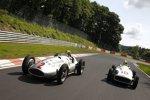 Lewis Hamilton und Nico Rosberg (Mercedes) fahren mit alten Silberpfeilen auf der Nürburgring-Nordschleife