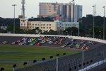 3-Wide-Racing in Daytona mit Kyle Busch (Gibbs) an der Spitze