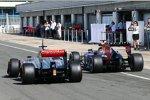 Sebastian Vettel (Red Bull) und Gary Paffett (McLaren)