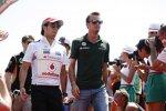 Sergio Perez (McLaren) und Giedo van der Garde (Caterham)